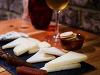 11- Tabla de quesos variados 222